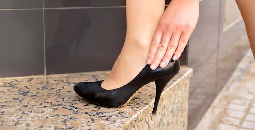Schuhe weiten: Tipps & Tricks gegen drückende Schuhe